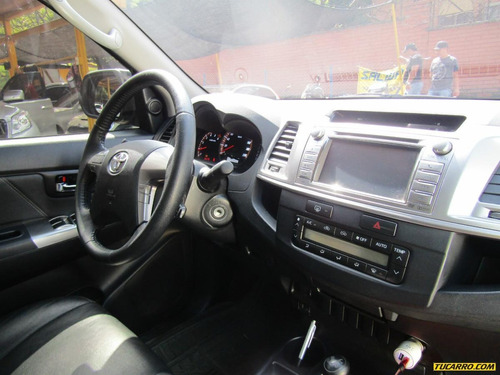 toyota hilux at 3000 td 4x4