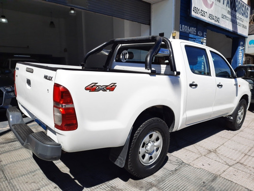 toyota hilux cab dob 2.5 tdi 2014 dx pack electrico financio