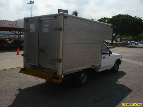 toyota hilux chasis 4x2
