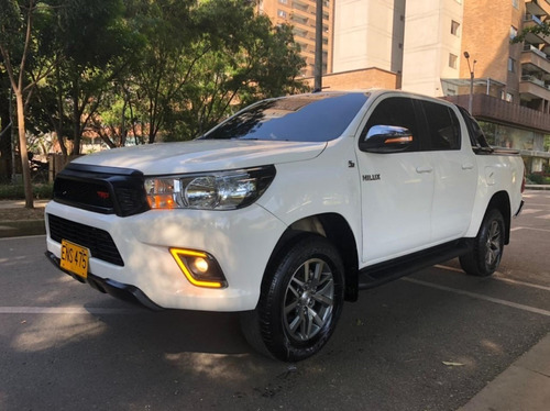 toyota hilux diesel 4x4 mecánica 2018 2.4