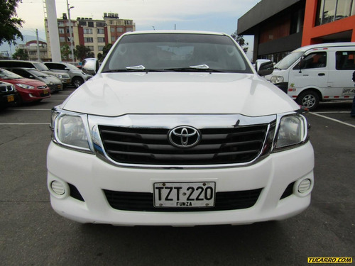 toyota hilux doble cabina 4x4