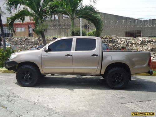 toyota hilux doble cabina  4x4 - sincronico