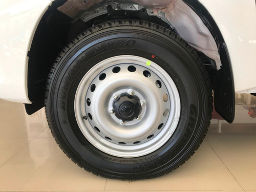 toyota hilux doble cabina dx 4x2 mt