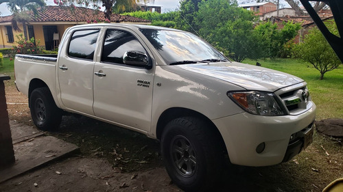 toyota hilux doble cabina excelente estado impecable