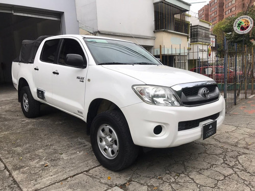 toyota hilux doble cabina mecánica 2012 2.5 4x4 281
