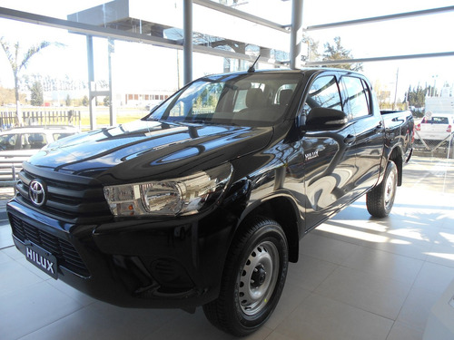 toyota hilux dx 4x4  2.4  roja doble cabina 100% financiado