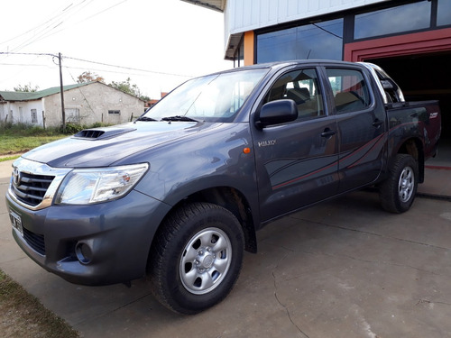 toyota hilux dx pack 4x2 2012