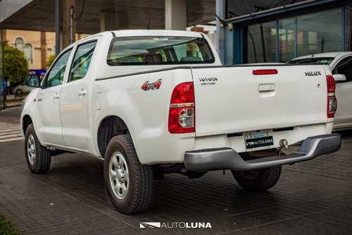 toyota hilux dx pack 4x4 2,5 2014