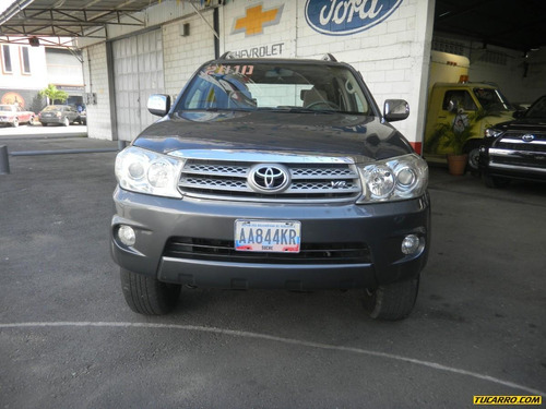 toyota hilux fortuner 4x4