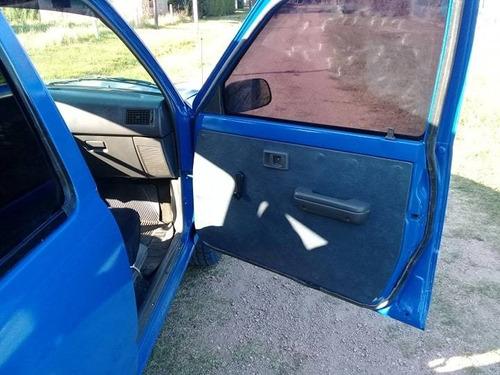 toyota hilux motor 2.4 diesel color azul 4 puertas