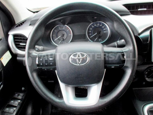 toyota hilux  ng 2016