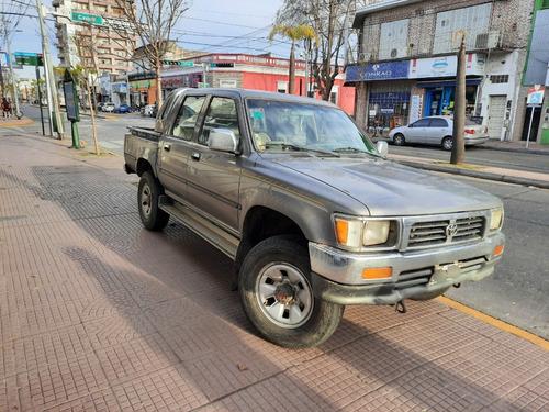toyota hilux sr5 2.8diesel 4x4 1998 km310000.-