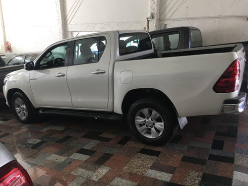 _toyota hilux srv 4x4 diesel 2017 financiada!