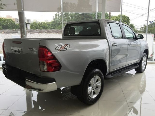 toyota hilux srv at 4x4 2.8 16v