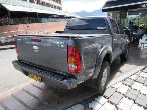 toyota hilux srv diesel 4x4 cc 3000 at