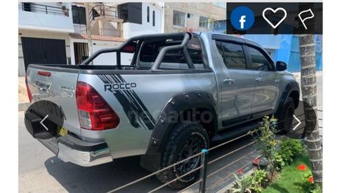 toyota hilux srv  rocco  2018 full $39000 negociable