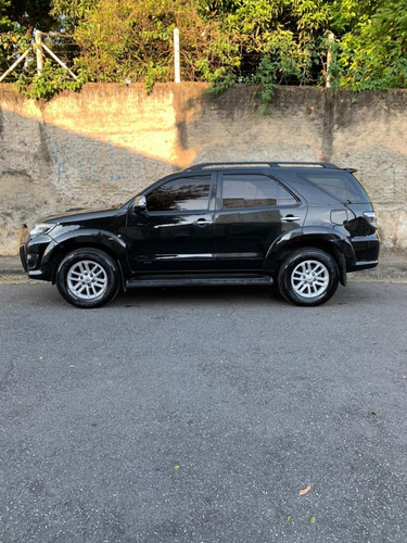 toyota hilux sw4 7 lugares
