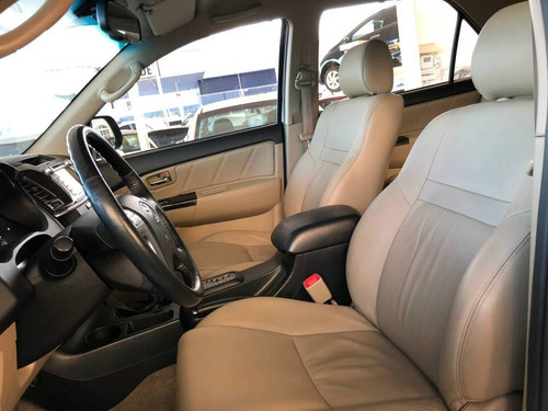 toyota hilux sw4 srv 4x4 at