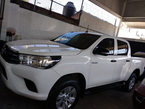 toyota hulux doble cabina mid 2017 mt