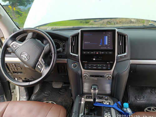 toyota land cruiser 200 excalibur