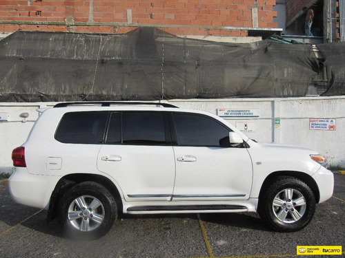 toyota land cruiser 200 sahara v8 europea