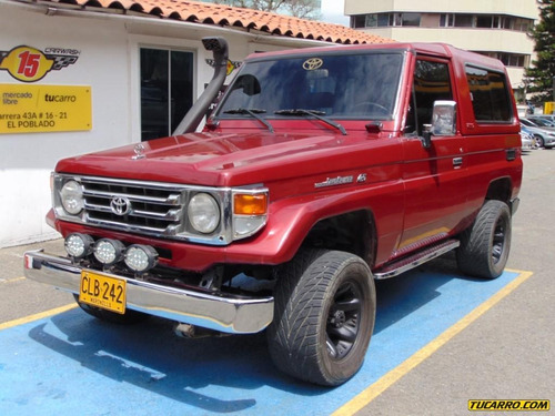 toyota land cruiser carevaca cabinado