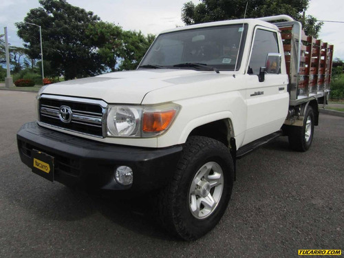 toyota land cruiser estacas