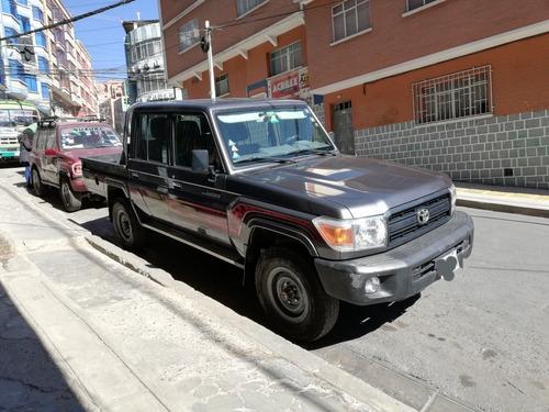 toyota land cruiser pickup pickup