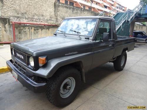 toyota macho pick-up 1988