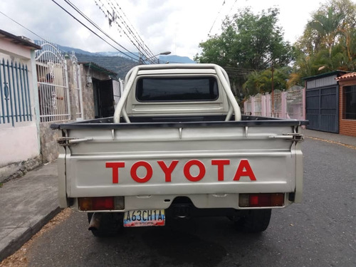 toyota macho  pick-up