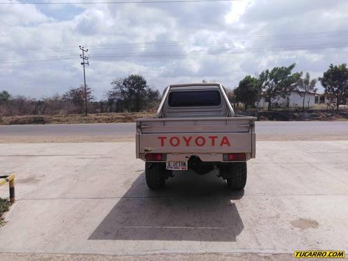 toyota macho pick-up