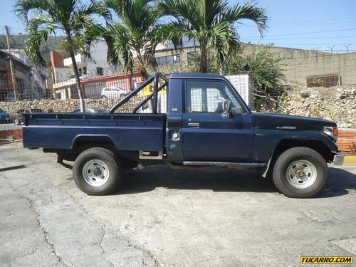 toyota macho pick-up lx hembra