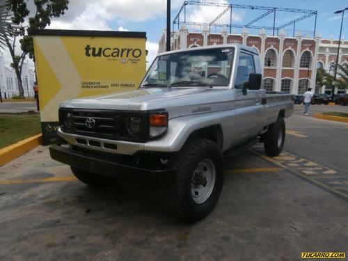 toyota macho pickup