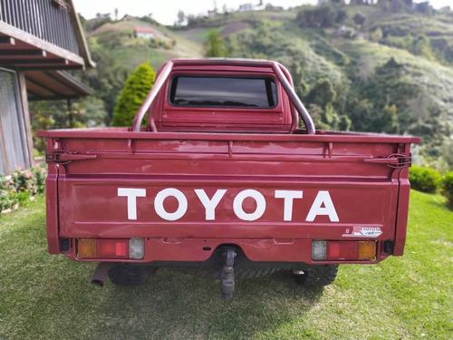 toyota pick.up machito ano 98 motor 4.5 dos puertas colr roj