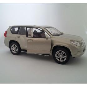 Toyota Prado. Tamaño A Escala