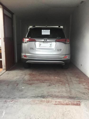 toyota rav4 2018  color gris 25000 km unico dueño como nuevo