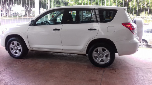 toyota rav4 2.5 base mt
