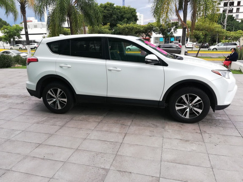 toyota rav4 2.5 xle plus 4wd at 2016 certificada