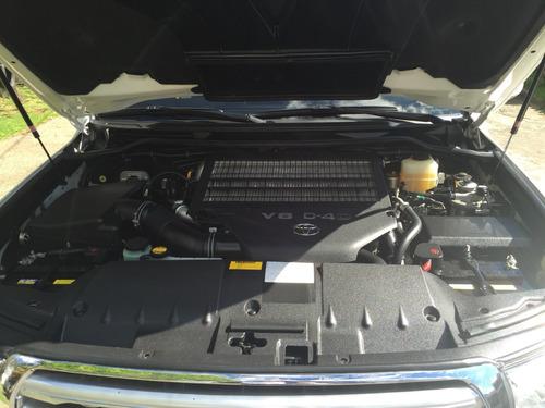 toyota sahara 2011 diesel