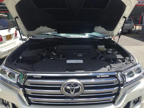 toyota sahara 4.5 diesel gx r  0 km