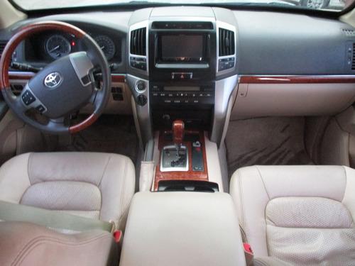 toyota sahara blindada 4.5 aut 4x4 modelo 2013