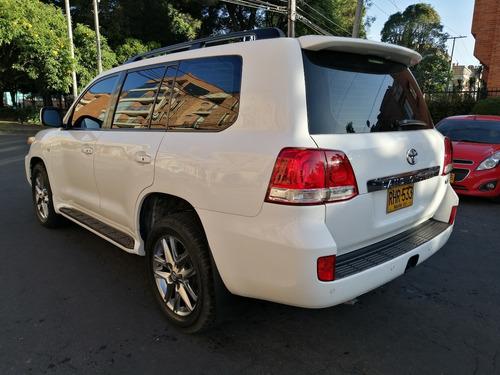 toyota sahara  v8 diesel