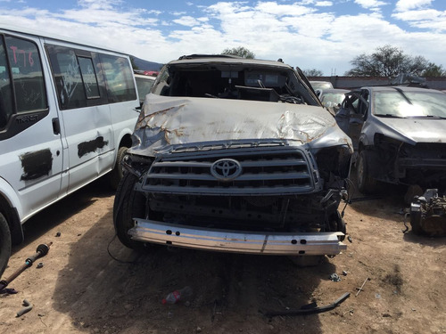 toyota sequia 2013 5.7l v8 accidentada solo por partes