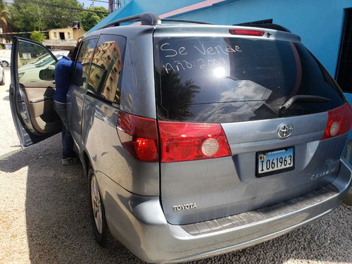 toyota sienna 150mil inicial 150,000