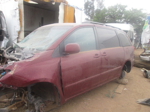 toyota sienna 2006 solo partes