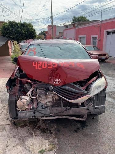 toyota sienna 2011 para reparar