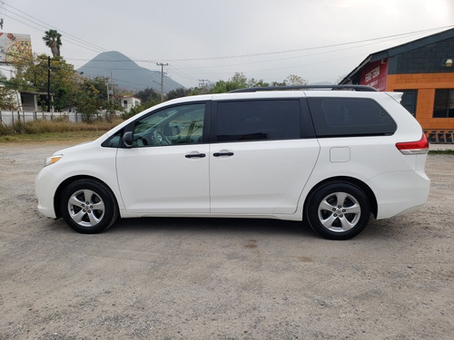 toyota sienna 3.5 ce at 2012
