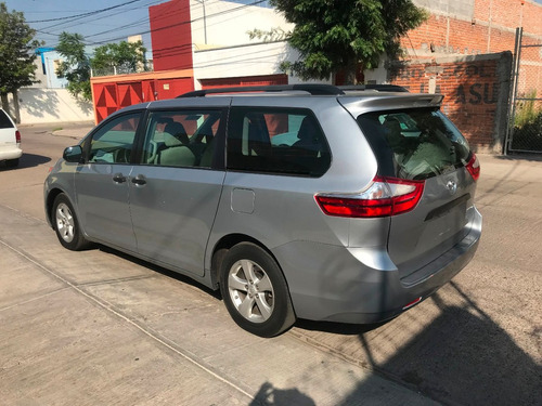 toyota sienna 3.5 ce at 2016 gris