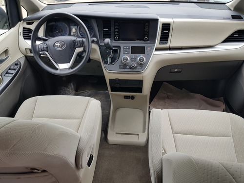toyota sienna 3.5 le at