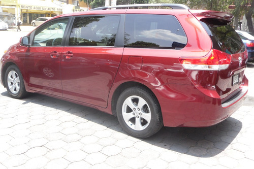toyota sienna 3.5 le mt